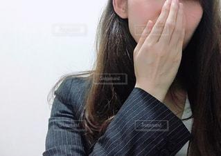 スーツを着た女性の写真・画像素材[3299338]