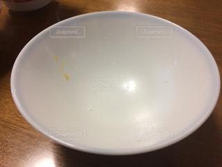 空っぽ茶碗の写真・画像素材[1382581]