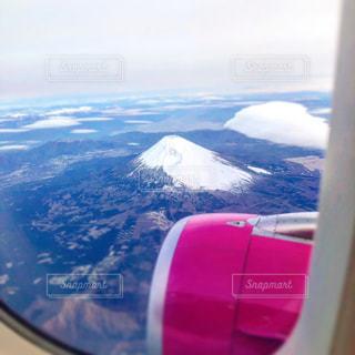 雪の覆われた山々 の景色の写真・画像素材[1858266]