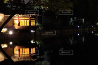 ライトアップされた景福宮の写真・画像素材[1352428]