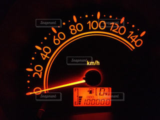 走行距離100000の写真・画像素材[1353100]