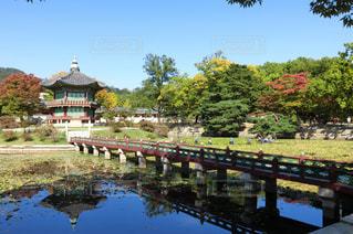 韓国・景福宮・香遠池の写真・画像素材[1380298]