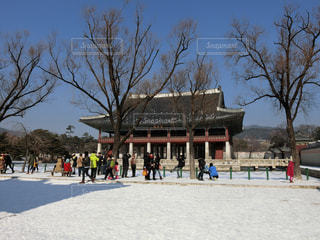 韓国ソウル・雪の景福宮・慶会楼(キョンフェル)の写真・画像素材[1391068]