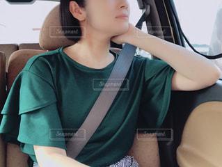 助手席の女性の写真・画像素材[1432230]