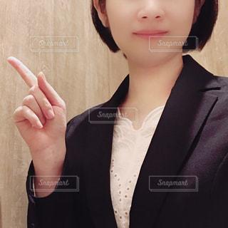 スーツ姿の女性の写真・画像素材[1436656]