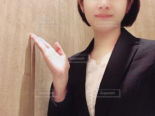 スーツ姿の女性の写真・画像素材[1439182]