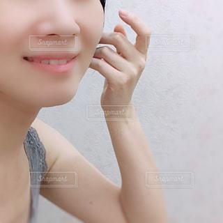 selfie を取る女性の写真・画像素材[1454478]