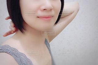 selfie を取る女性の写真・画像素材[1454479]