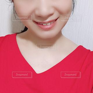 女性の顔のアップの写真・画像素材[1742969]