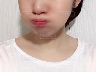 女性の顔のアップの写真・画像素材[2174167]