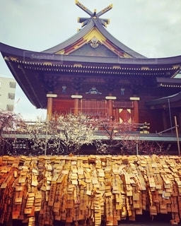 合格祈願の神社の絵馬の写真・画像素材[2736408]