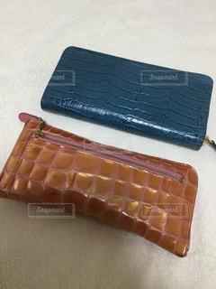 新しい財布を買ったので今までの物と撮影の写真・画像素材[1691781]