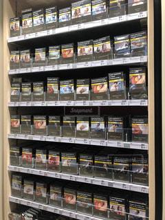 海外の煙草のこわい表紙の写真・画像素材[1342966]