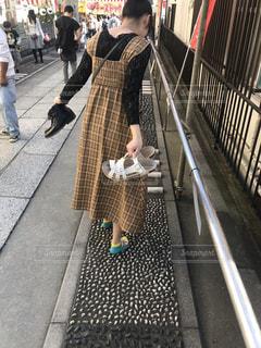 足ツボロードを歩く彼女の写真・画像素材[1778324]