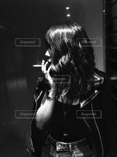 タバコ女子の写真・画像素材[1348268]