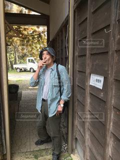 喫煙者は肩身が狭いね、ミニケンの写真・画像素材[1528265]