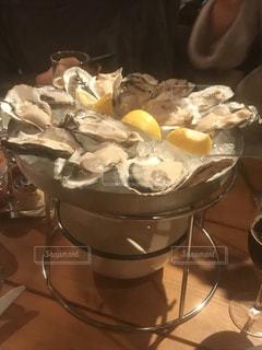 生牡蠣の盛り合わせの写真・画像素材[1349446]