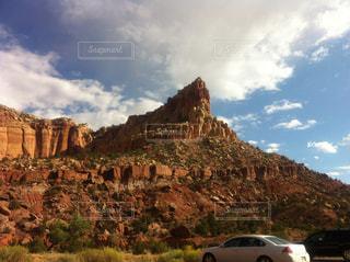 背景の山と渓谷の写真・画像素材[1369930]