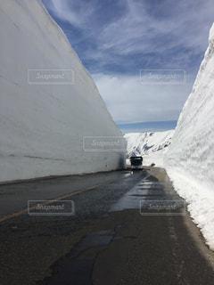 雪の大谷の写真・画像素材[2138453]