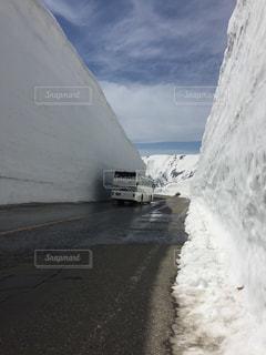 雪の大谷の写真・画像素材[2138455]