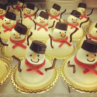 雪だるまケーキの連続の写真・画像素材[1349069]