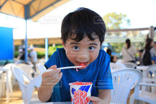 遊園地で食べたかき氷の写真・画像素材[1556128]