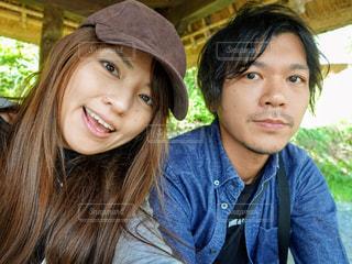 山梨旅行の夫婦の自撮りの写真・画像素材[2441657]