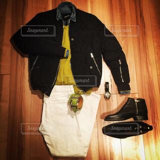 スーツとネクタイを身に着けている男の写真・画像素材[1413084]