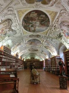 チェコのプラハ① ストラホフ修道院の写真・画像素材[1378055]