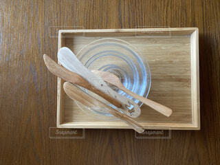 食卓の上の道具たちの写真・画像素材[4050088]