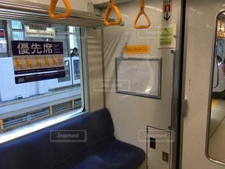 電車内の優先席の写真・画像素材[1352833]