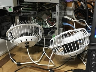 某100円ショップで購入したUSBタイプの扇風機の写真・画像素材[1383685]
