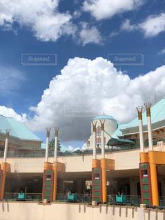 イクスピアリと入道雲の写真・画像素材[2382673]