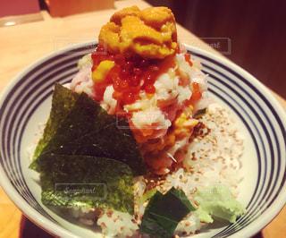 ぜいたく海鮮丼の写真・画像素材[1365059]