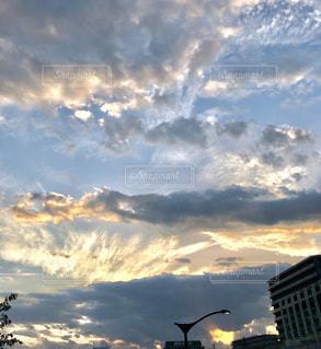 仕事終わりの夕焼けの写真・画像素材[1355834]