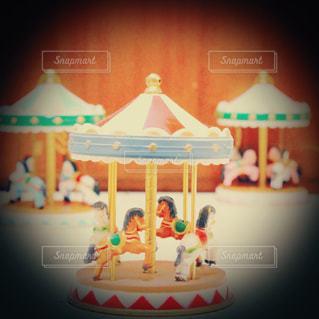 キャンドルとバースデー ケーキの写真・画像素材[1664008]