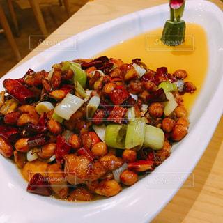 中華料理 宮保鶏丁の写真・画像素材[1369905]