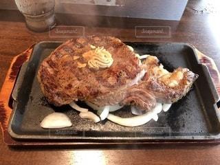400gのお肉の写真・画像素材[1358575]