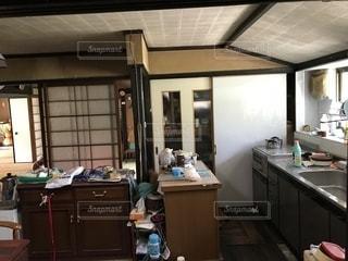 古い空き家の台所です。の写真・画像素材[1384248]