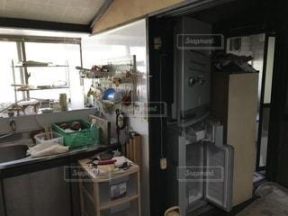 空き家のキッチンの写真・画像素材[1384249]