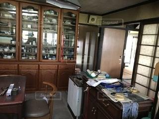 散らかった台所の写真・画像素材[1384251]