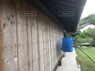 田舎の雨戸の写真・画像素材[2484741]