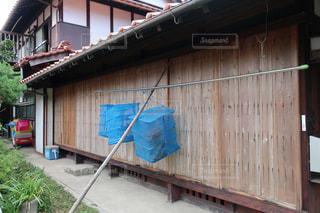田舎の雨戸の写真・画像素材[2484742]