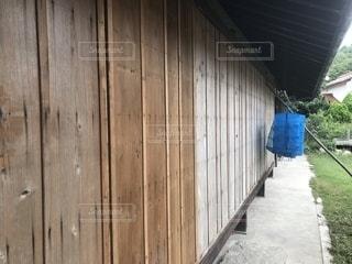 田舎の雨戸の写真・画像素材[2484744]