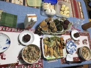 田舎の秋の食卓の写真・画像素材[3714014]