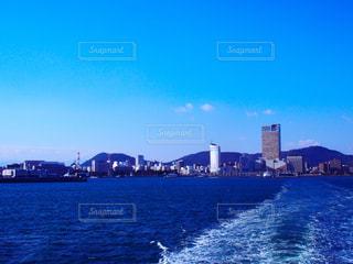 瀬戸内海とサンポート高松の写真・画像素材[1361131]