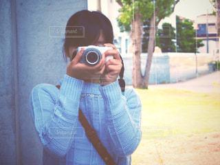 カメラ女子の写真・画像素材[1368696]
