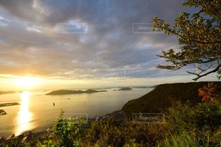 瀬戸内海の夕日の写真・画像素材[1415137]