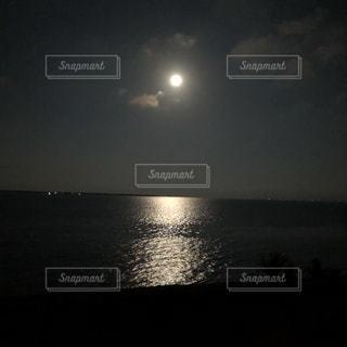 水の大きな体の写真・画像素材[1361640]