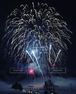 夜空の花火の写真・画像素材[1192328]
